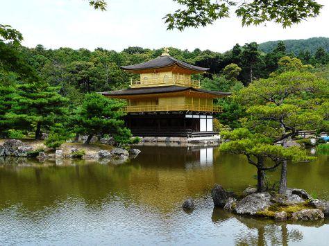 800px-Kyoto_Kinkaku-ji_Golden_pavilion_2009_07_16