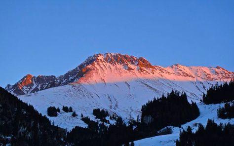 Kaiseregg_im_Sonnenuntergang_-_panoramio